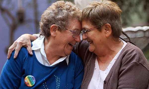 En el día de las personas mayores, SOMOS recuerda que las personas LGTBI mayores no son elpasado